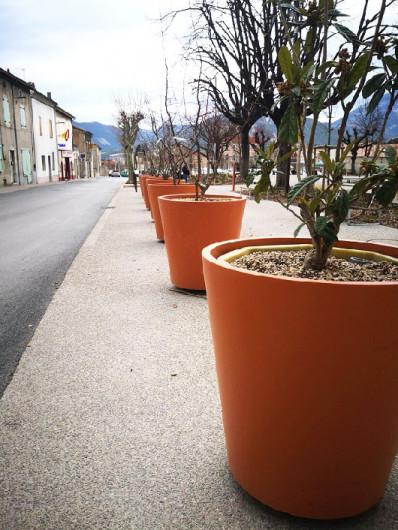 jardiniere-ronde-lisse-asturias-1-398x530